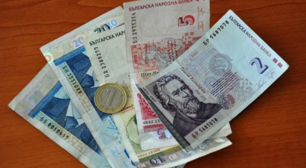Тройната коалиция си раздала над 700 хил. лв. бонуси за 2007