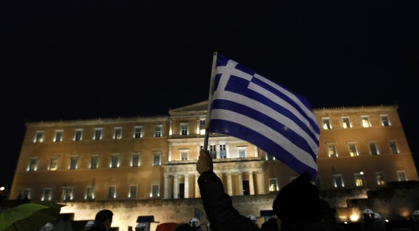 Шапки долу пред гърците