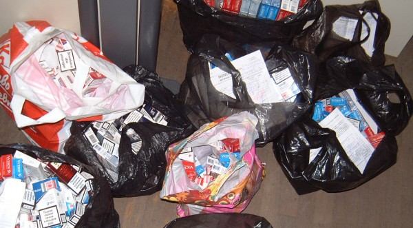 Спипаха 711 кутии нелегални цигари във влак от Сърбия