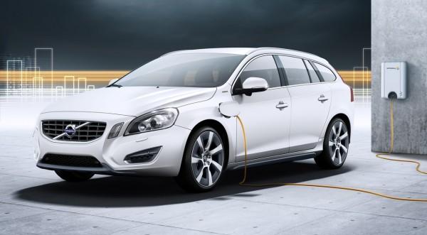 Новото Volvo V60 Plug-in Hybrid тръгна серийно