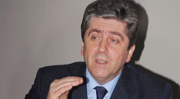 Първанов пък си иска лидерската битка с Борисов