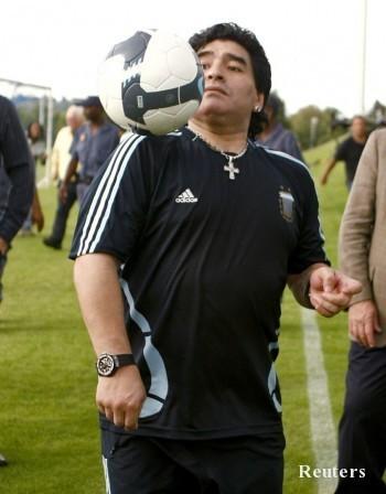 Марадона: Ако Пеле е Бетовен на футбола, аз съм Боно и Кийт Ричардс