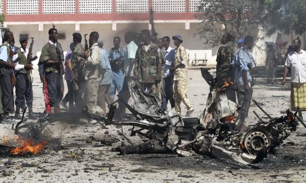 Експлозия и престрелка в сомалийската столица Могадишу