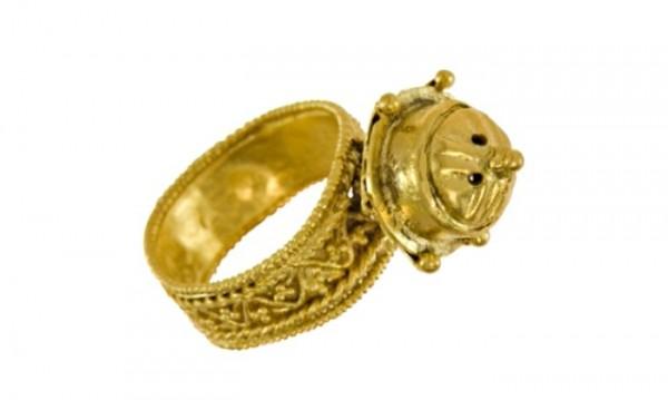 Уникален златен пръстен от VI век откриха край Бяла