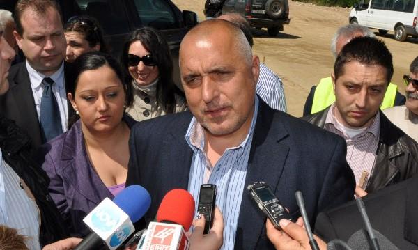 До 2 години магистралите променят живота на българина, радва се Борисов