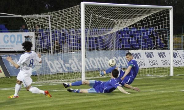 Левски се измъчи срещу Калиакра, но най-после победи