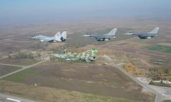 МиГ-29 се запали и падна в река край Пловдив