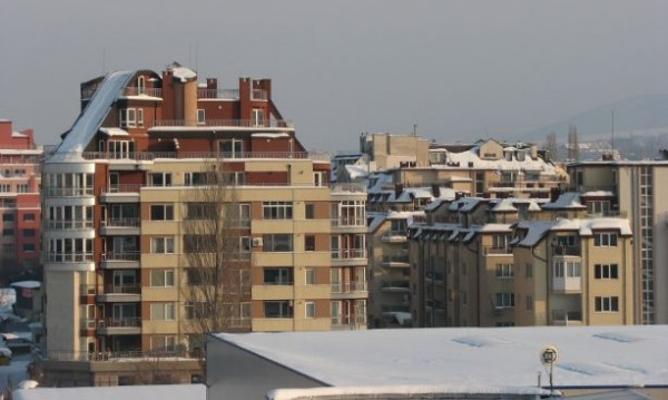 Новите жилища все повече отесняват