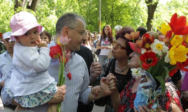 """Станишев: ГЕРБ иска хората и бизнеса """"на къса каишка"""""""