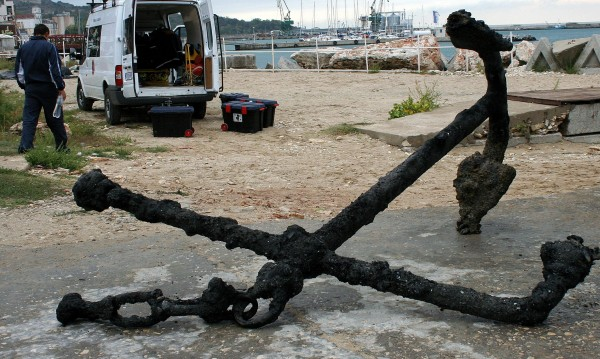 Спипаха мъж да краде за трети път кораби за скраб