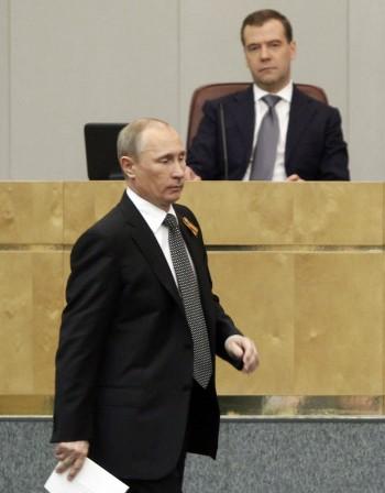 Пълна рокада: Медведев вече е премиер