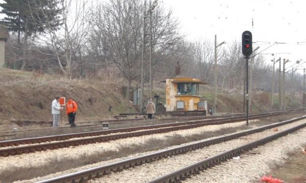 Релси, жици, мостове... По линията на влака се краде масово
