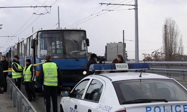 Екшън в Русе! Шофьор на автобус нокаутира колега след ПТП