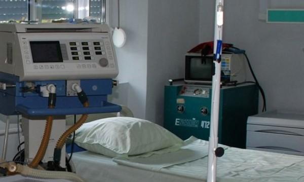 Бременна 15-годишна в тежко състояние след усложнения