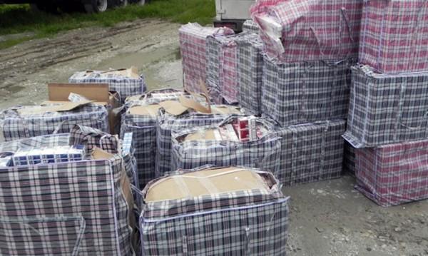 Спипаха 872 400 къса контрабандни цигари в Пловдив