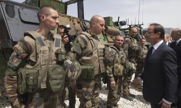Френският президент с неочаквана визита в Афганистан