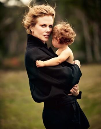 Никол Кидман показва майчин инстинкт без излишна суета