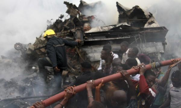 Няма оцелели от самолетната катастрофа в Нигерия