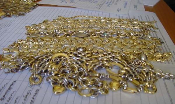 Заловиха контрабандно злато и авточасти на Малко Търново