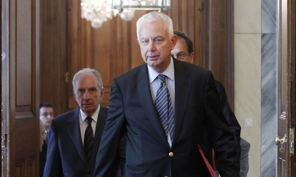 Гръцкият служебен премиер Пикраменос се отказа от заплата