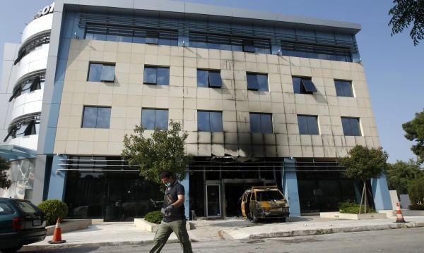 """Атакуваха офис на """"Майкрософт"""" в Гърция"""