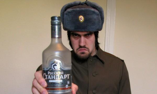 Пиян троши витрини с ръка в Благоевград