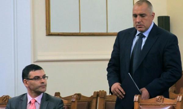 Дянков държи на новия данък: Ще го има!