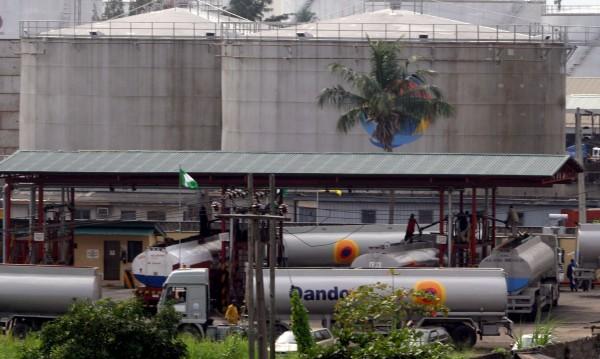 Групировки от България купуват краден нигерийски петрол