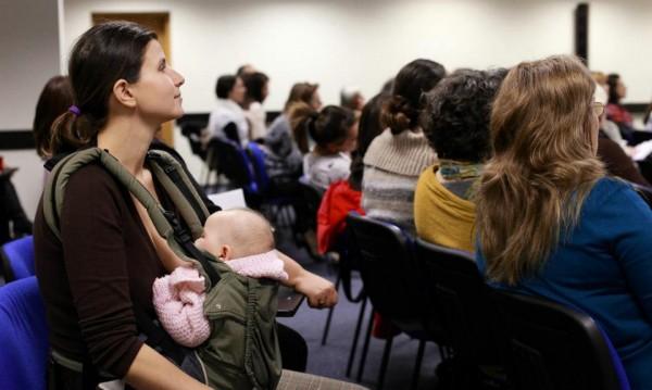 Майки си търсят правата, 35 хиляди искат да раждат у дома