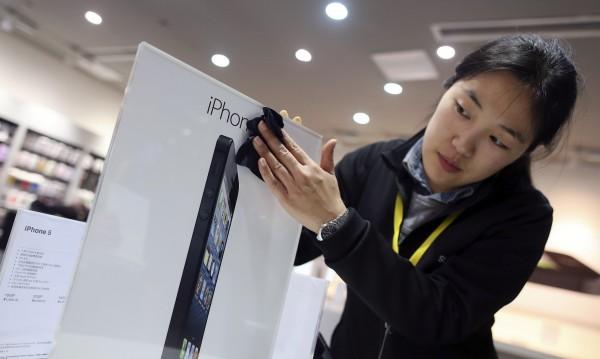 Китайците започнаха да грабят новия iPhone