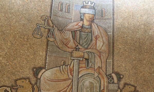 Съдът не контролира решенията на Синода!