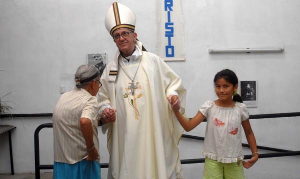 Ватикана отрече папата да е сътрудничил на хунтата в Аржентина