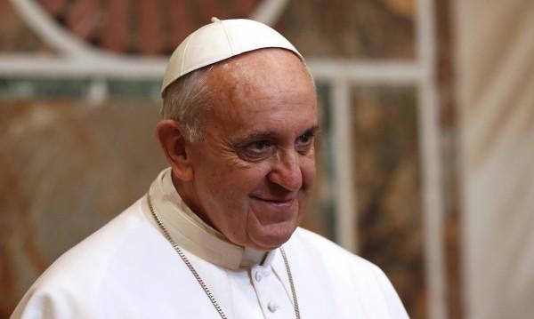 Папа Франциск не иска да се мести в папските покои