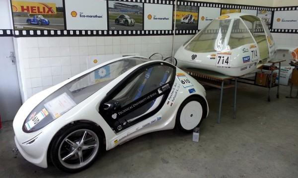 Лабораторията за коли на ТУ-София