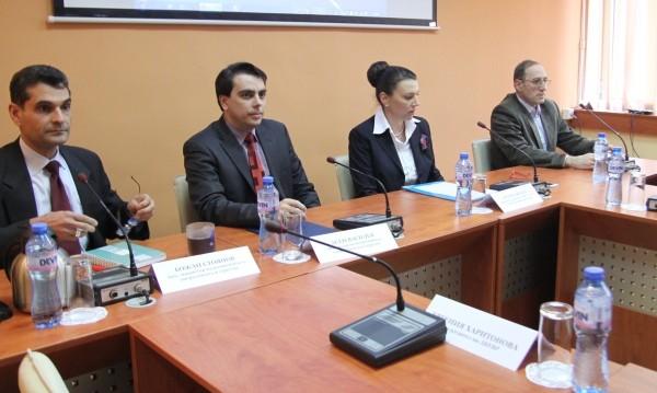 Общественици в енергийния съвет искат оставка на зам.-министър