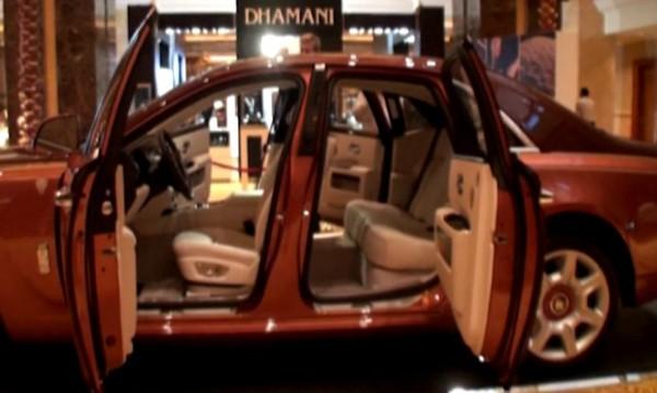 """Rolls-Royce разказва """"Приказки от 1001 нощ"""""""