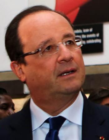 Оланд предложи на депортирано косоварче да се върне във Франция