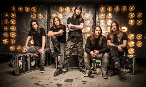 Children of Bodom нагъват люти чушки преди концерта
