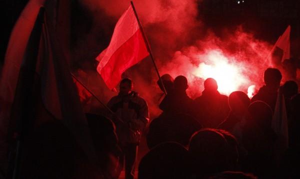 Крайната антиевропейска, антируска десница показва зъби във Варшава