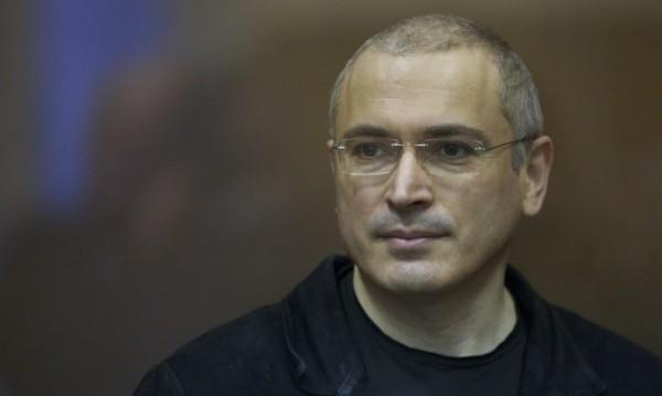 """Путин готов да помилва Ходорковски и пънкарките от """"Пуси райът"""""""