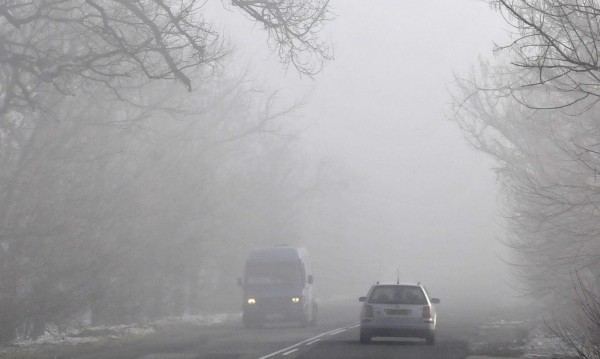"""До 50 м е намалена видимостта в прохода """"Шипка"""" поради мъгла"""