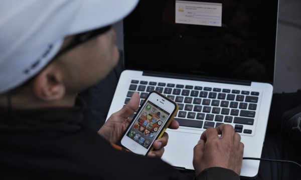 Apple пуска корени и в корпоративния свят