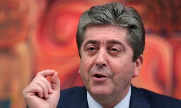 Чрез три партии Георги Първанов отива на евровота