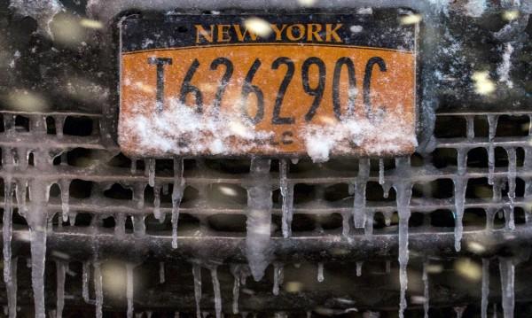 Новата снежна буря в САЩ отмени хиляди самолетни полети