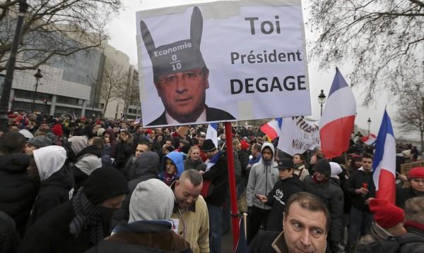 """""""Ден на гнева"""" в Париж срещу Оланд"""