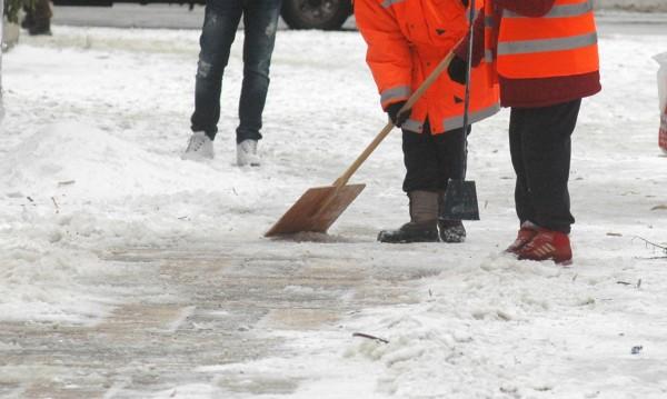Общината в Русе издаде 15 протокола за непочистени тротоари