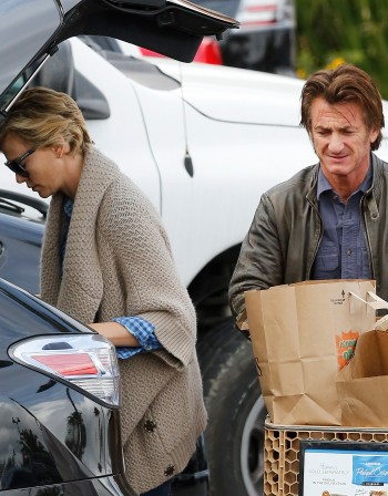 Чарлийз и Шон приличат на стара семейна двойка