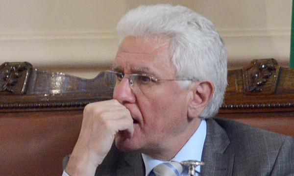 """Бисеров с комисия, към нея депутатите """"лепнаха"""" Петното"""