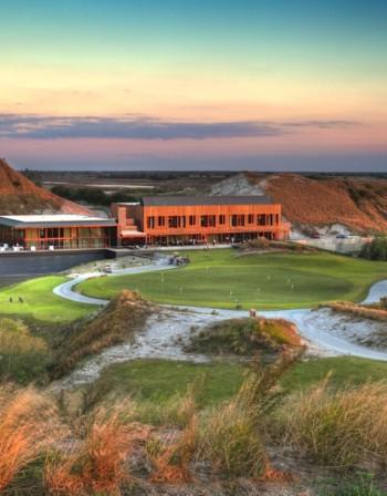Най-новият голф курорт във Флорида отвори врати и вече трупа слава