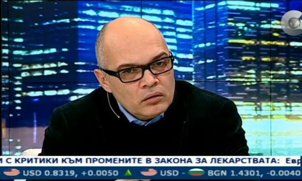 Борисов се дистанцира от Цветанов, твърди Безлов